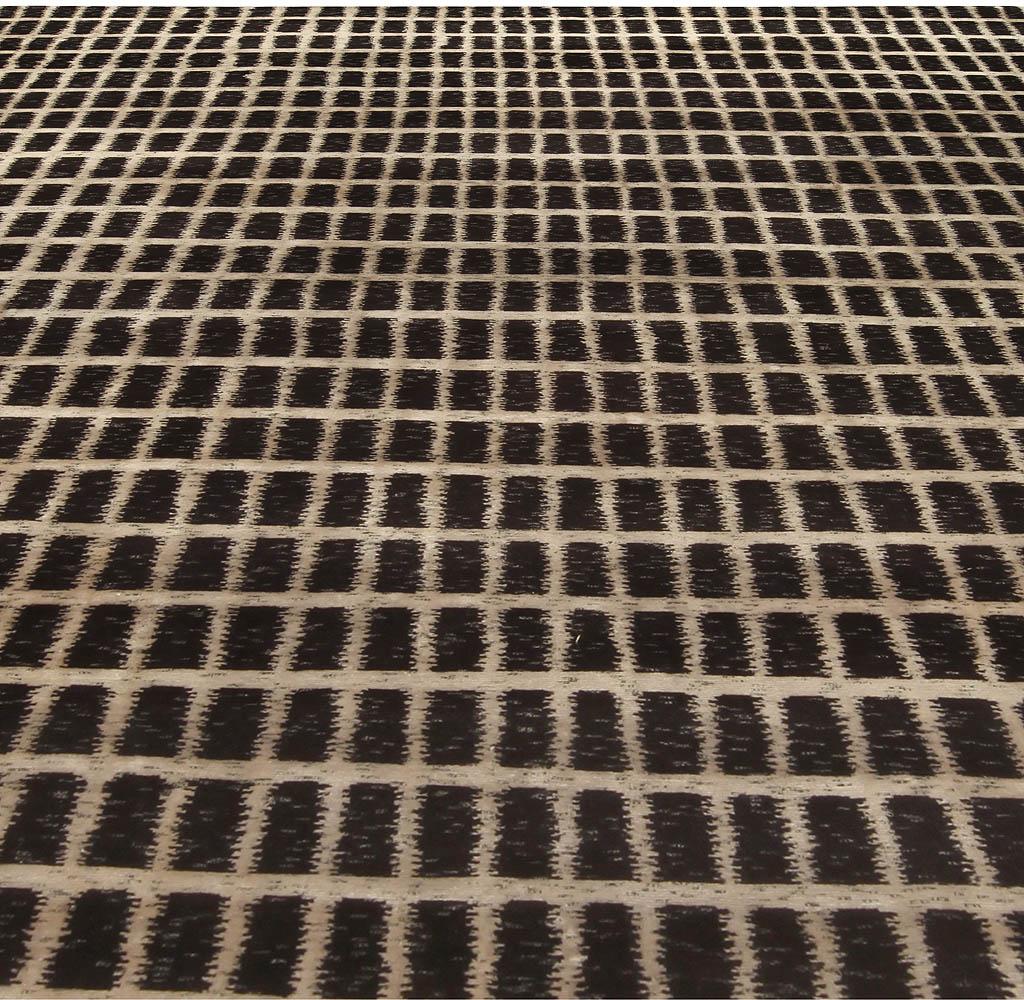 Contemporary Geometric Black Magic Rug N10358
