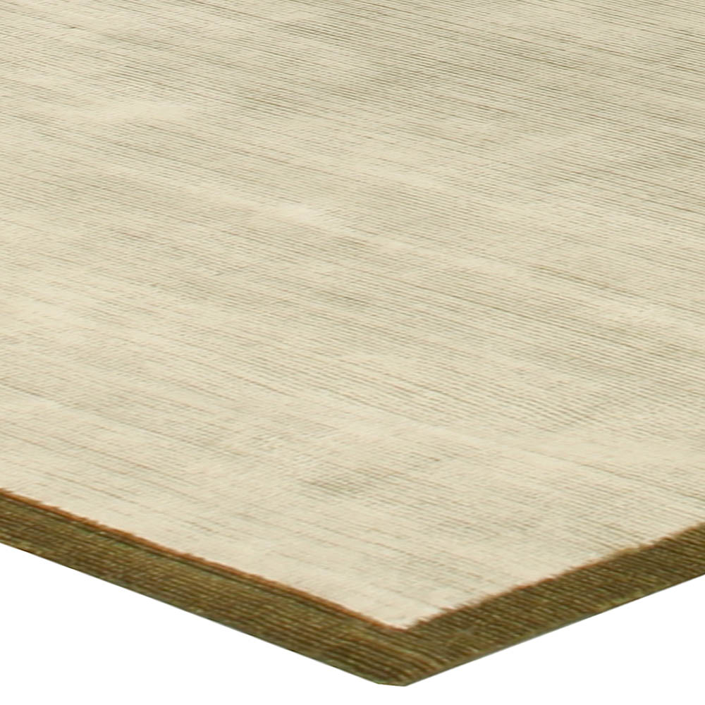 Contemporary White and Gold Hand Knotted Wool and Silk Rug N10600