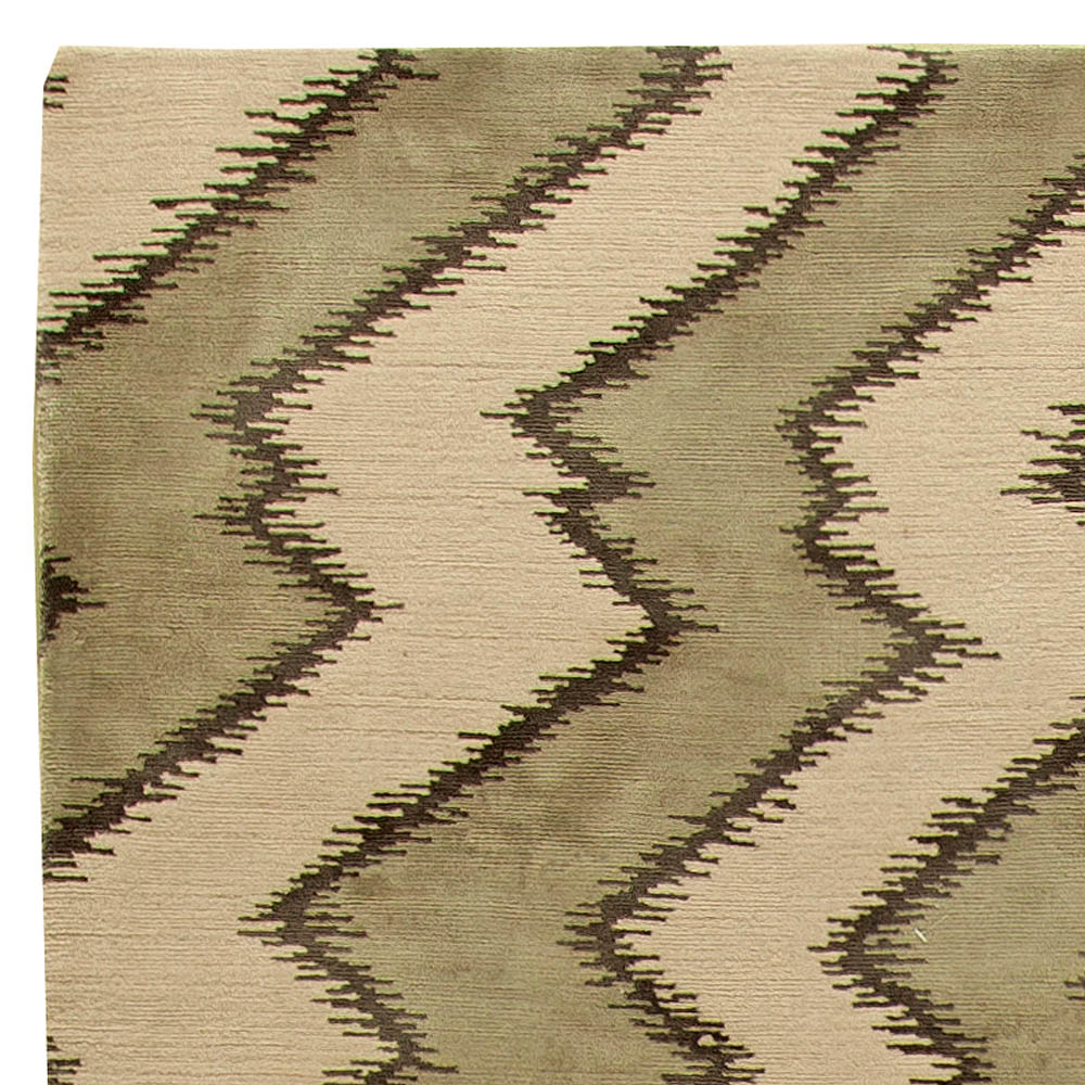 Contemporary Khaki and Beige Rug N11319