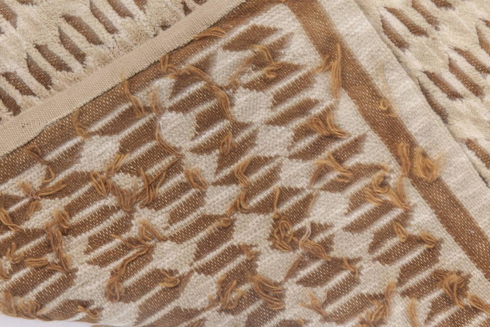 Oversized Contemporary Creamy Beige and Brown Hand Knotted Wool Rug N10799