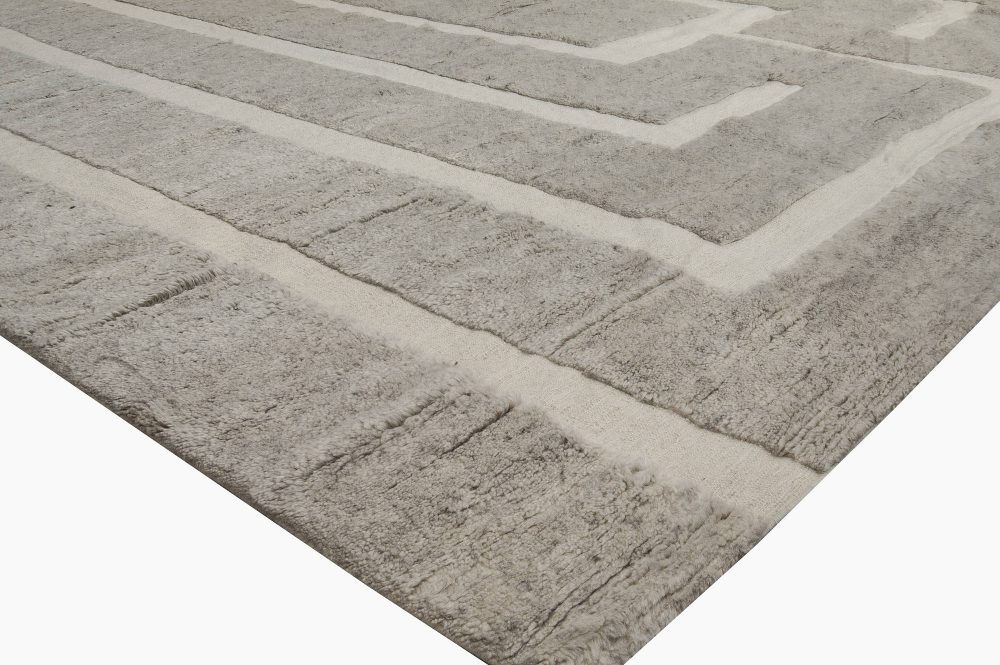 Contemporary Monumental Rose Gold and Beige Hand Knotted Wool Rug N11098