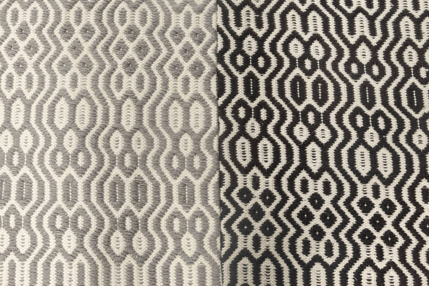 Chessboard Pattern White, Black & Light Gray Flat weave Wool Rug N11859