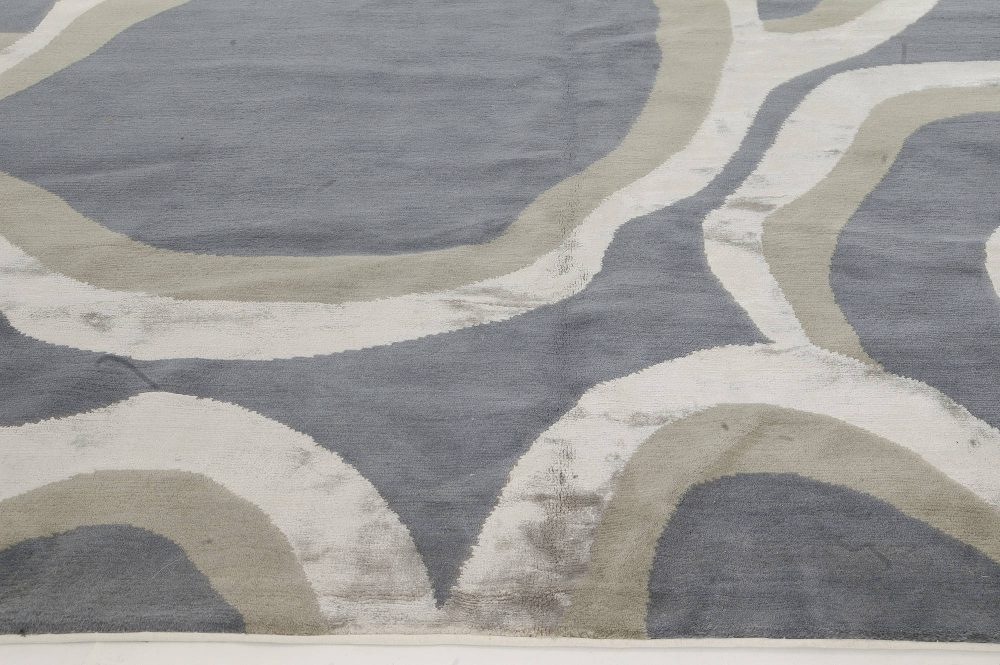 Contemporary Ondulation Gray, Beige and Black, and Silk Rug N11198
