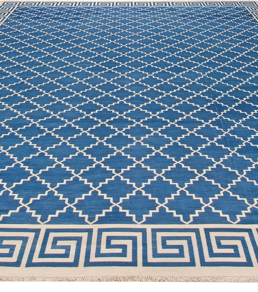 Indian Dhurrie Off-White and Indigo Flat-Woven Cotton Rug N11018