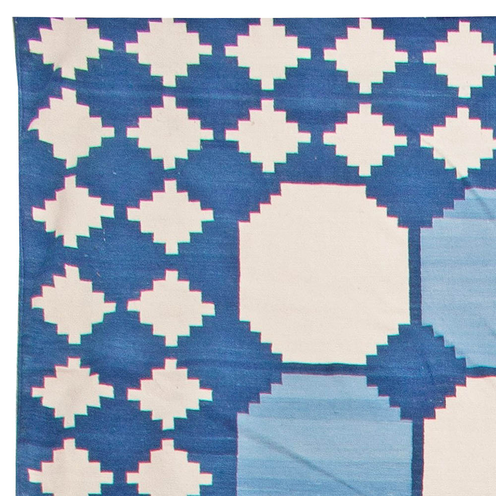 Contemporary Oversized Indian Dhurrie Blue and White Rug N11023