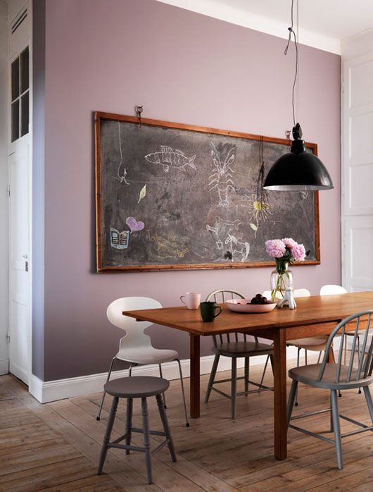 /millenial-pink-interior-decor-pink-wall-paint-living-room-