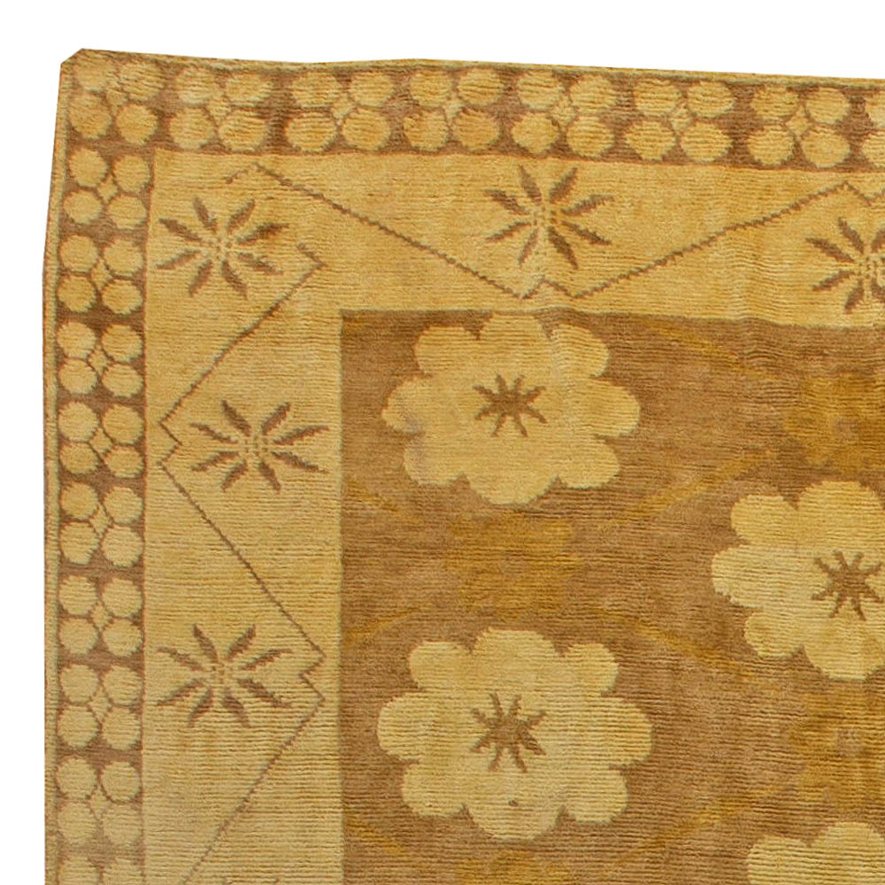 Large Traditional European inspired Rug N11222