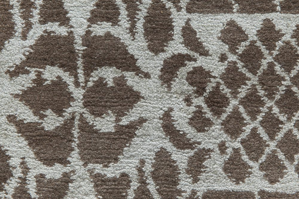 Contemporary European Inspired Tibetan Brown and White Rug N11507