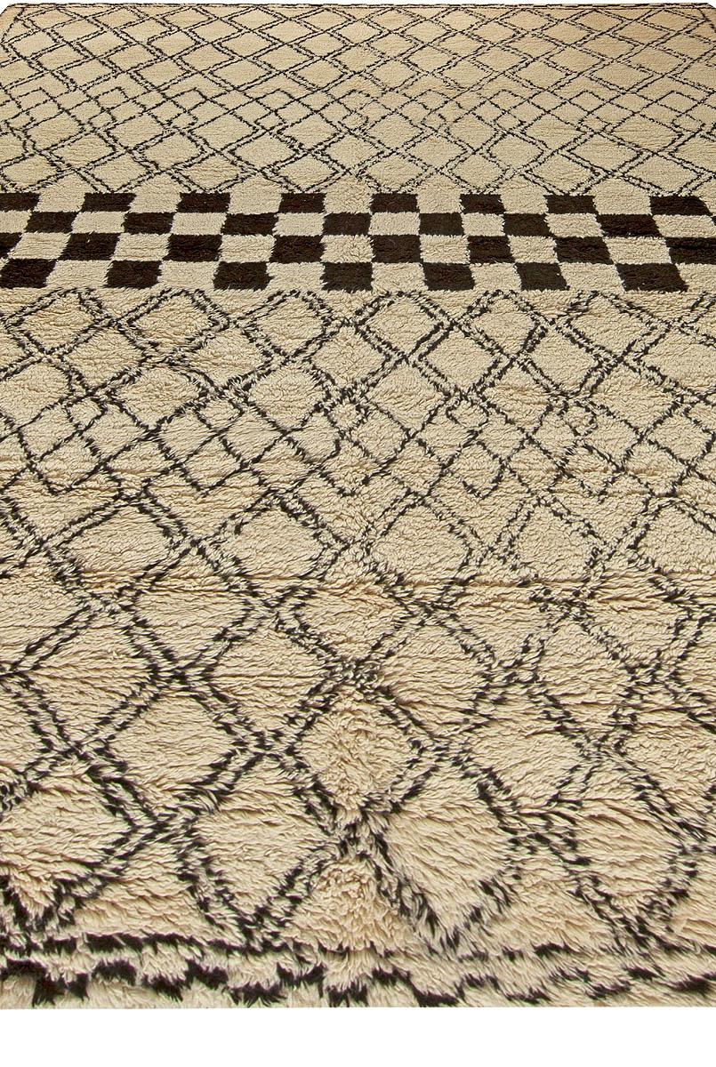 Modern Custom Moroccan Rug N11241