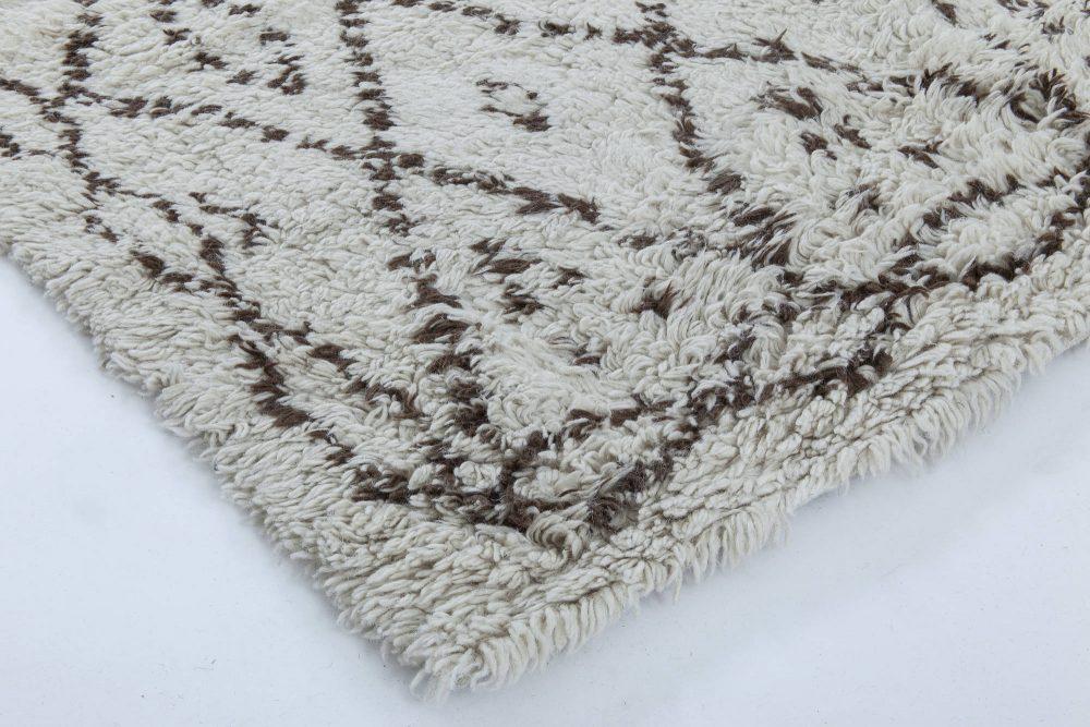 Handmade Moroccan Wool Rug with Geometric Tribal Design N11530