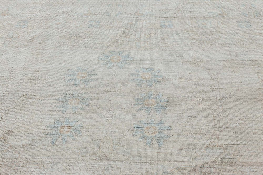OVER SIZED TRADITIONAL ORIENTAL INSPIRED RUG N11864