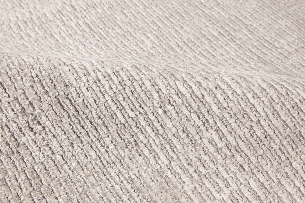 Contemporary Silver Silk Rug N11752