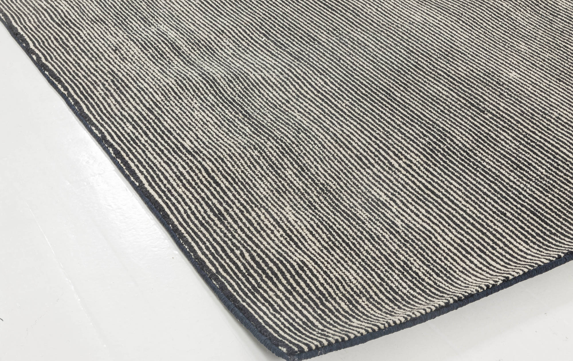 Hand Tufted Rug N11695 by DLB