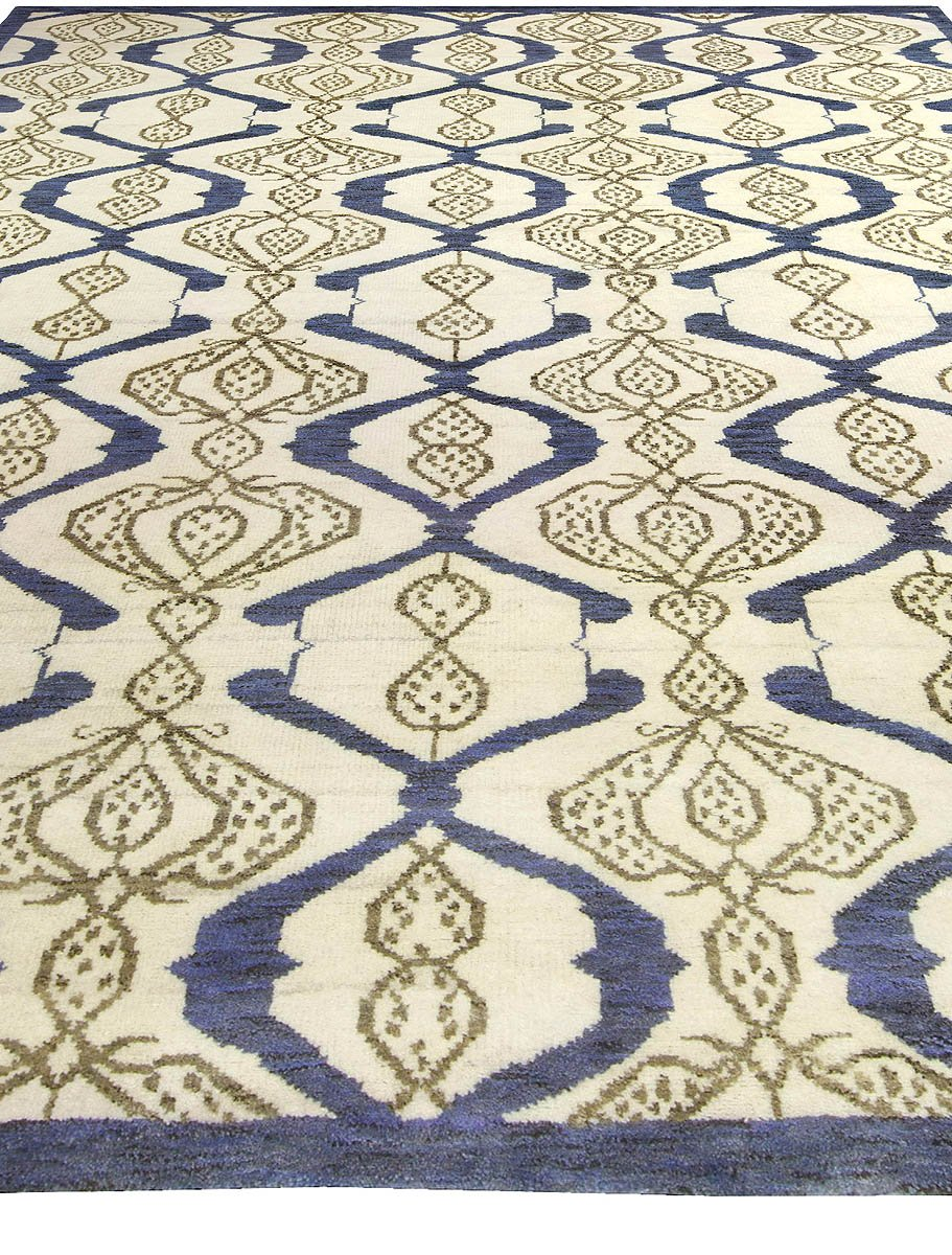 Contemporary Taj Blue and White Hand Knotted Wool Rug N10478