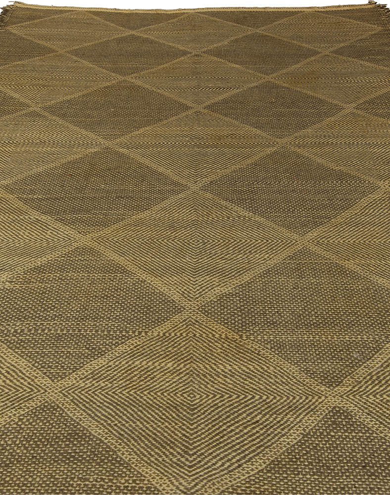 21st Century Diamond Shaped Brown Flat-Woven Wool Rug N10561