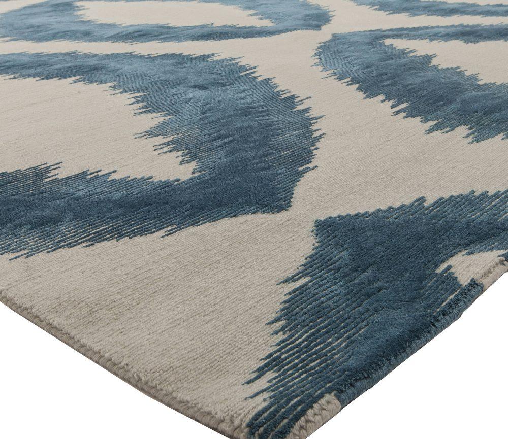 Modern Mandorla Rug with Hand-carved Silk Design N11407