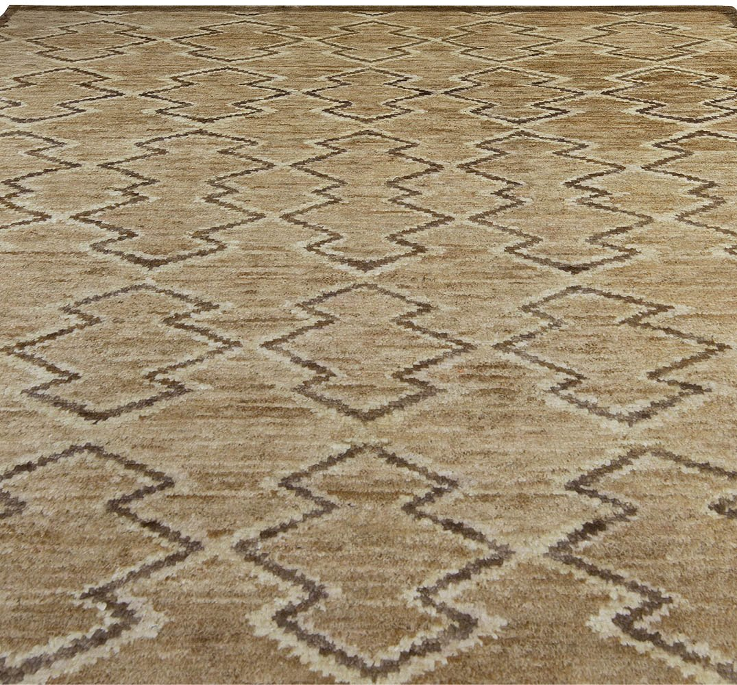Contemporary Aztec Design Brown Handwoven Silk Rug N10488