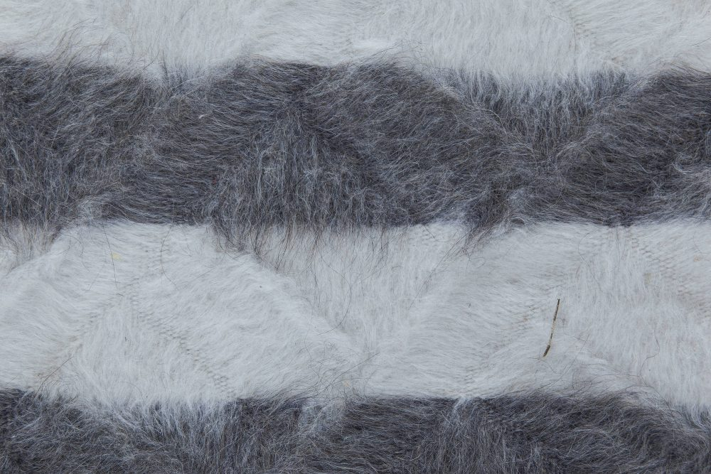 Contemporary White and Anthracite Shaggy Handmade Rug N11519