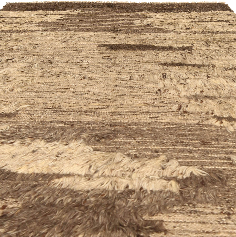 Tribal Tulu Nadu Style Shaggy Wool Rug in Shades of Brown N10307