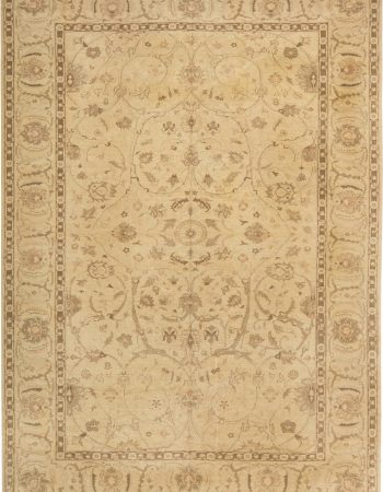 Traditional Oriental Inspired  Rug N11420