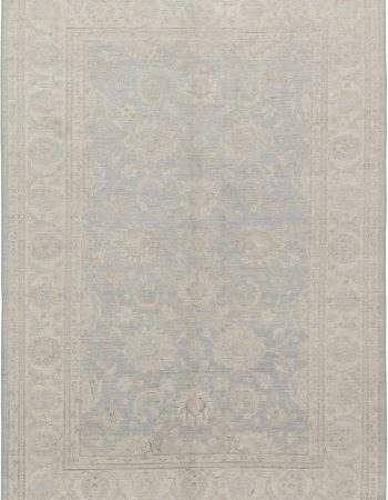 Traditional inspired Tabriz Rug. N11698