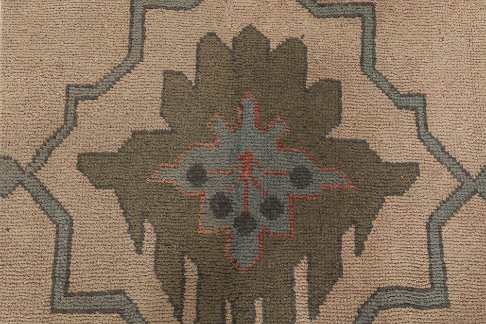 Arts & Crafts Fragment by Gavin Morton BB6303