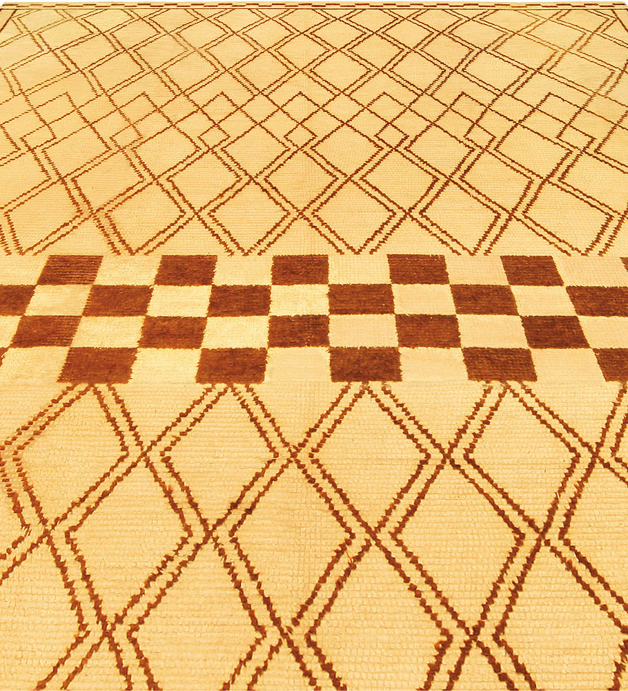 Vintage Hand-woven Moroccan Natural Wool Rug with Geometric Design BB5164
