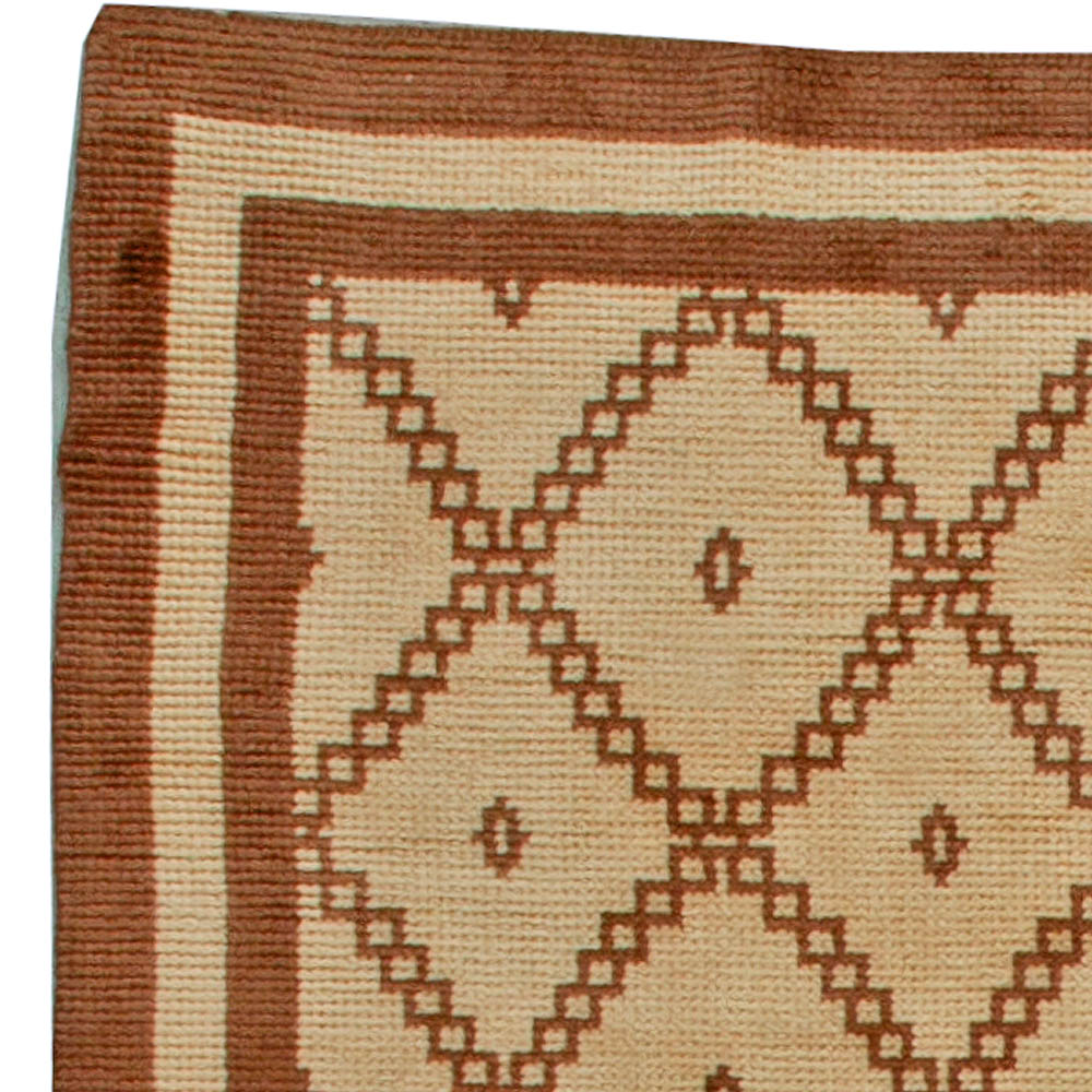 Vintage Tribal Hand-woven Moroccan Natural Wool Rug with Geometric Design BB5547