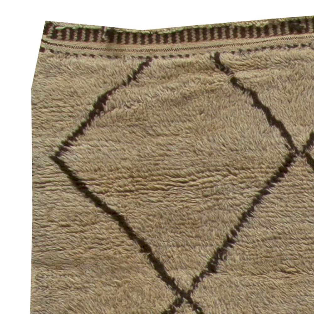 Vintage Tribal Moroccan Natural Wool Rug with Diamond Design BB5874