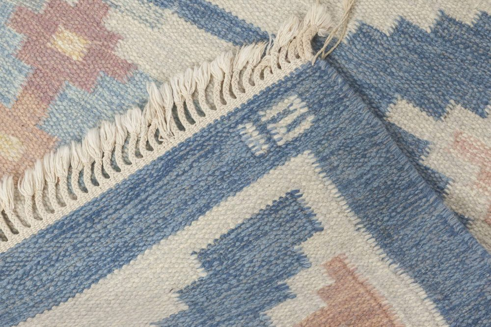 """Mid-Century Swedish Rug by Ingegerd Silow. Woven signature on blue border """"IS"""" BB6561"""