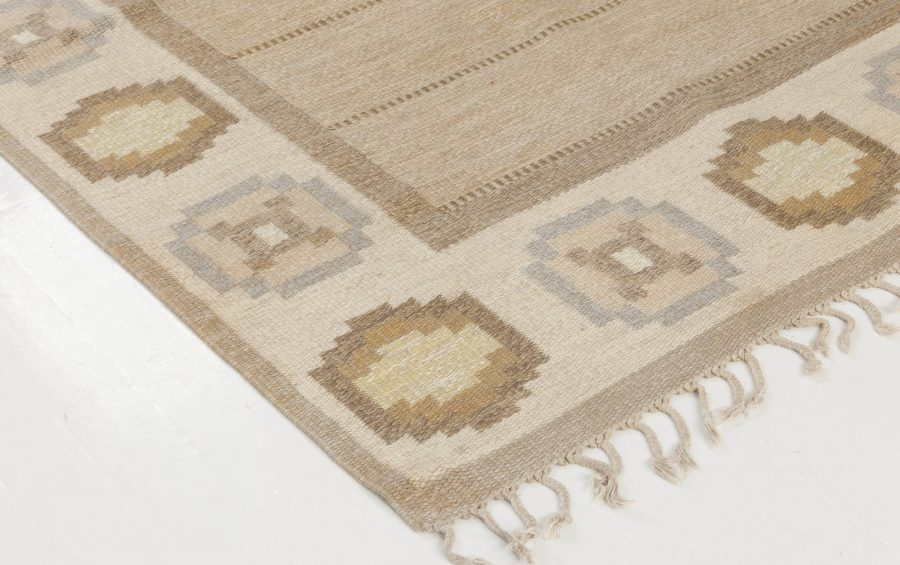 Vintage Swedish flat weave rug signed by Ingegerd Silow BB6546