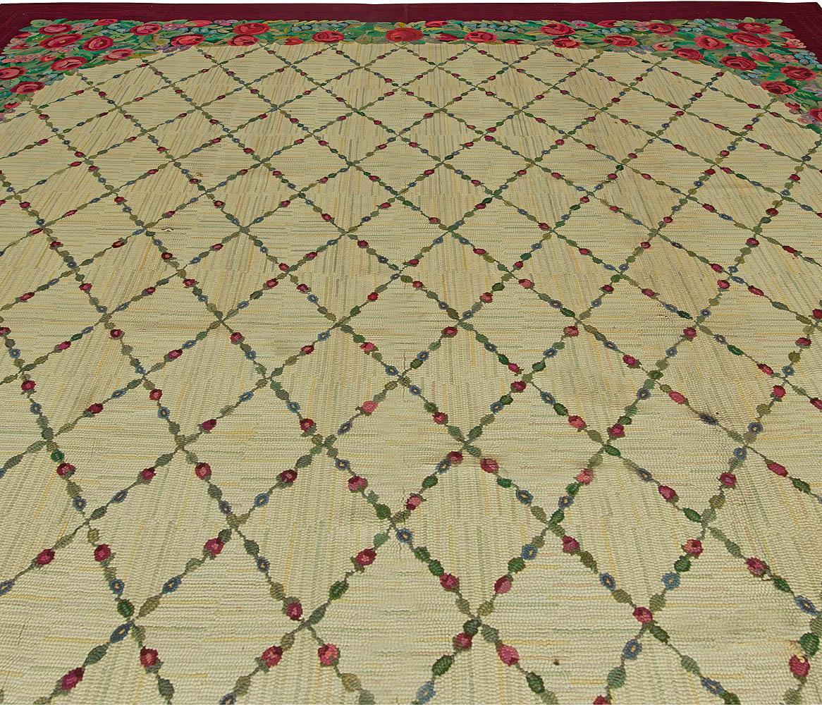 Vintage American Hooked Red Roses Handwoven Wool Rug BB2647