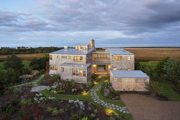 This Martha's Vineyard Summer Home Is As Cozy As It Gets