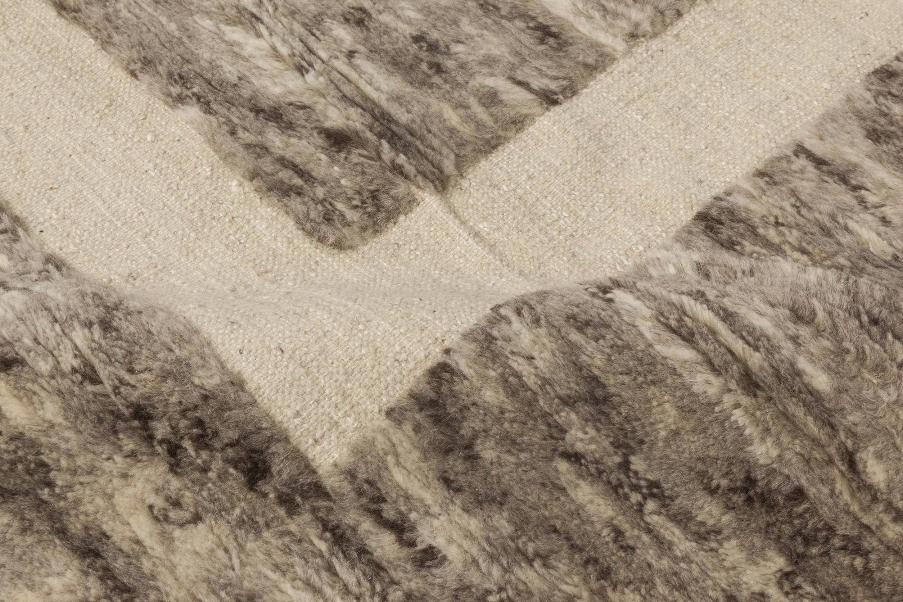 Modern Gray, Brown & Beige Monumental II Geometric Carpet N11806