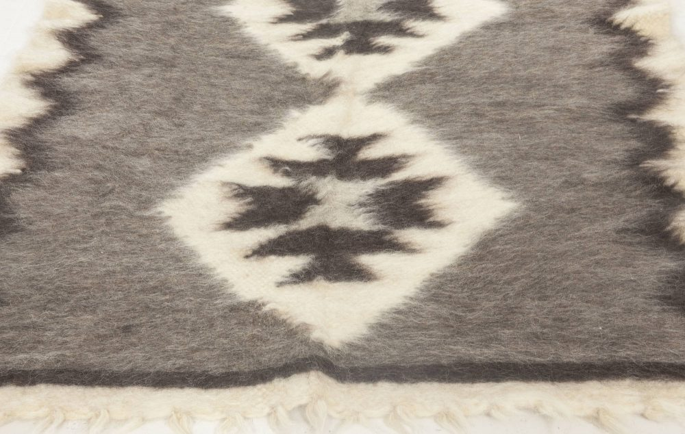 Stamverband II Geometric Gray and White Carpet N11828