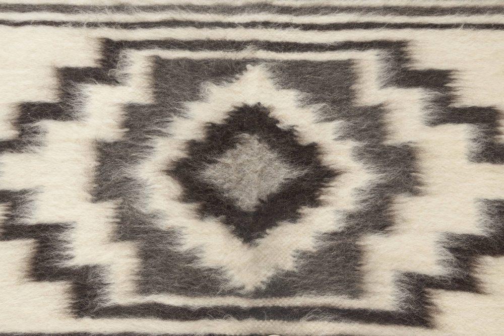 "Contemporary ""Stamverband VI"" Geometric Gray, White and Black Wool Rug N11832"