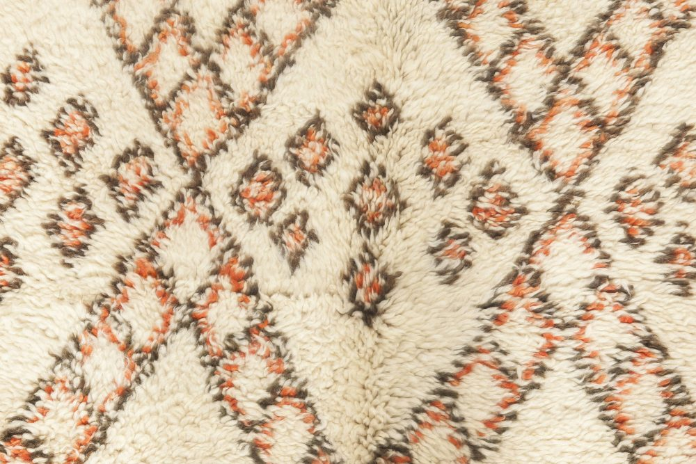 Vintage Tribal Hand-knotted Moroccan Area Rug in White, Peach, and Brown BB6878