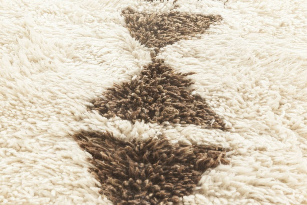 Vintage Tribal Hand-knotted Natural Wool Moroccan Area Rug BB6876