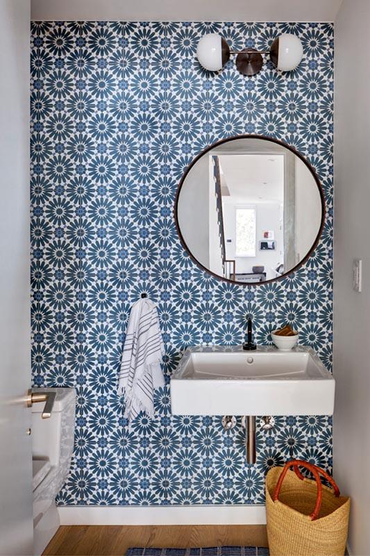 wallpaper in bathroom, statement wall decor ideas