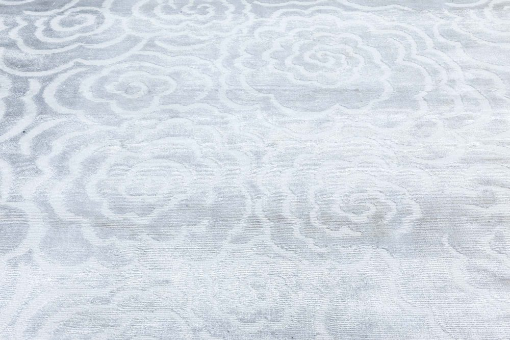 Hand-knotted Camellia Rug in Ivory Silk N11972