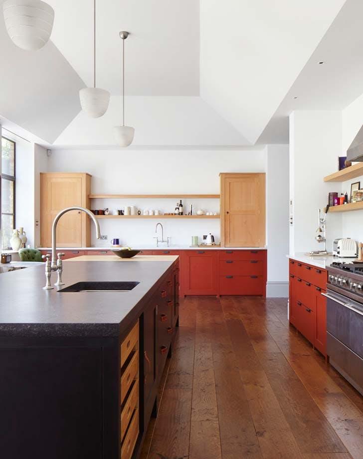 dois armários de cozinha em tons, cozinha 2019 tendências de decoração (12)