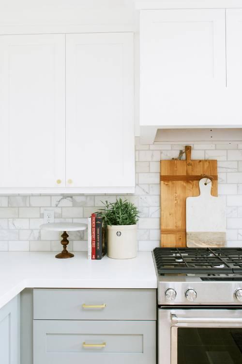 dois armários de cozinha em tons, cozinha 2019 tendências de decoração (16)