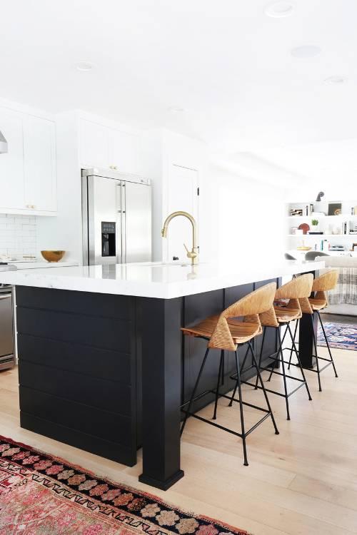 dois armários de cozinha em tons, cozinha 2019 tendências de decoração (4)