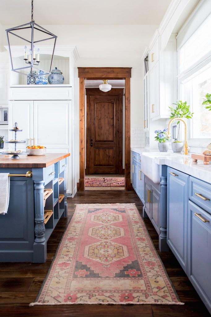 dois armários de cozinha em tons, cozinha 2019 tendências de decoração (6)