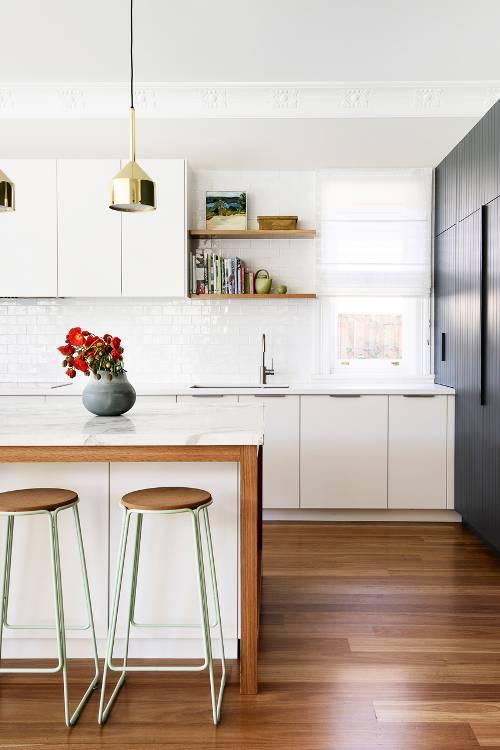 dois armários de cozinha em tons, cozinha 2019 tendências de decoração (8)