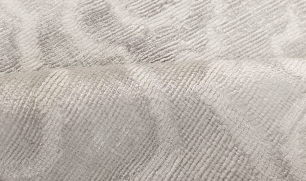 Modern Silver and White Flower Hand Knotted Silk Runner N12020