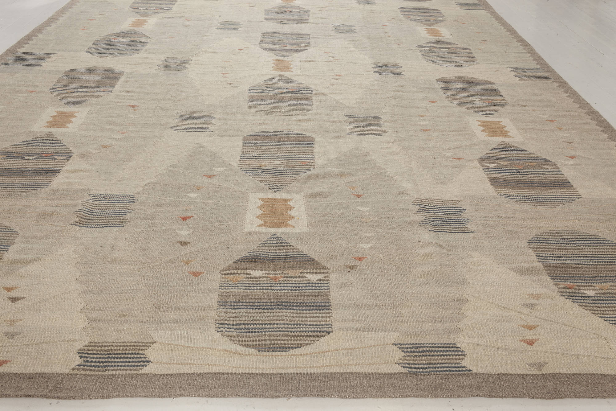 Swedish Design Rug N11980 By Doris Leslie Blau