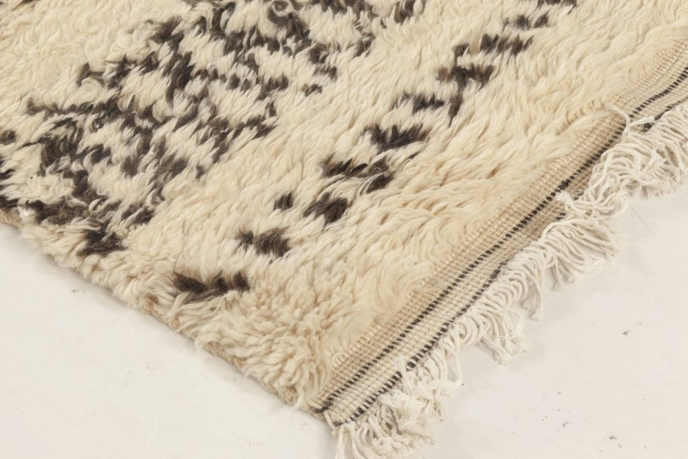 Moroccan Wool Rug with Charcoal Tribal Design on Ivory Background N12024