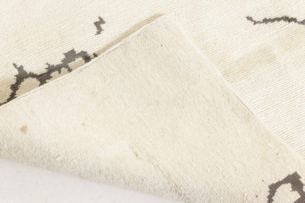 Contemporary Silk Runner N12048