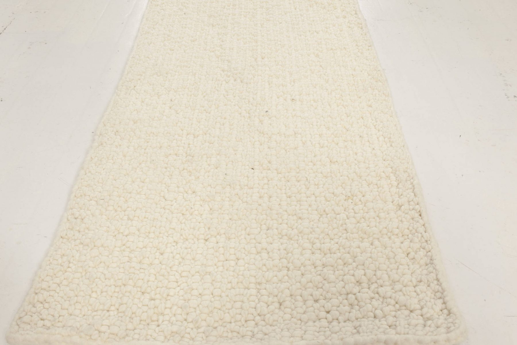 Contemporary Alpine White Runner Handwoven in Natural Lambswool N12049